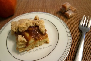 caramel apple pie bar
